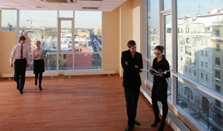 Кому Москва продает помещения по спеццене