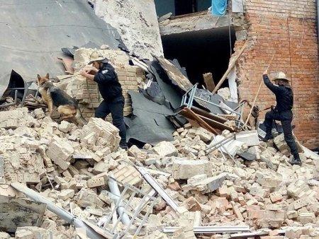 В школе под Новосибирском рухнула стена