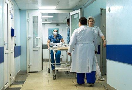 Как доставили в больницу упавшего с московской новостройки рабочего