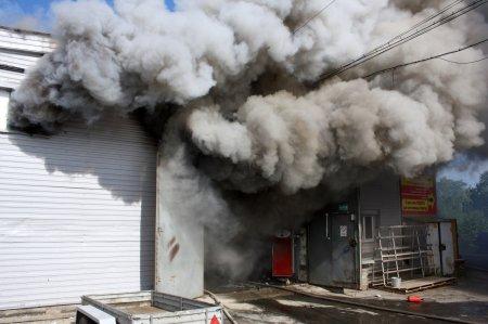 Что за ЧП произошло во Владивостоке на складе стройматериалов