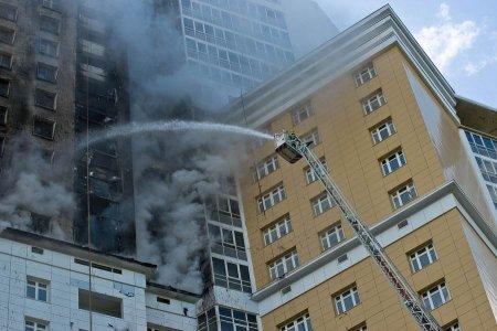 Почему загорелись балконы двух подъездов многоэтажки в Митино