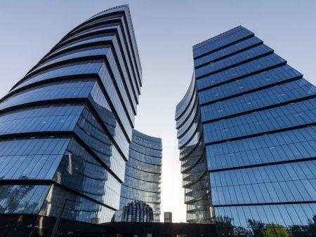 Какую первую крупную сделку «Зенит» заключил на рынке офисов