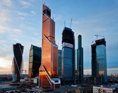 Сколько жилых лотов продается в столичных небоскребах