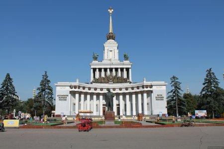 На ВДНХ завершена реставрация Центрального павильона