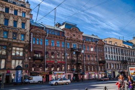 Приобрести дом на Невском проспекте теперь может кто угодно