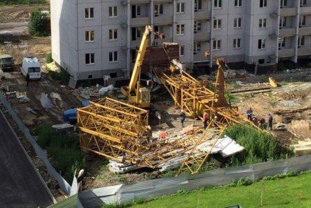 На стройке дома в Омске произошло ЧП
