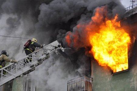 Расследуются причины крупного пожара на Сахалине