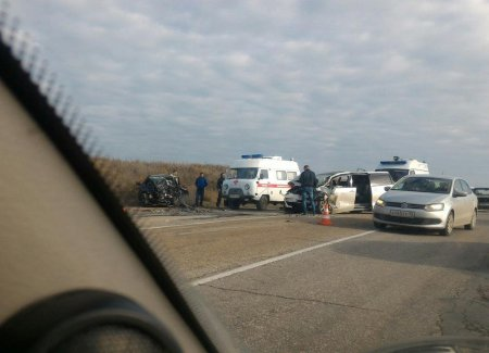 Пятеро жителей Подмосковья попали в автокатастрофу на трассе «Крым»