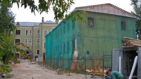 Названо число оставшихся в центре Москвы долгостроев