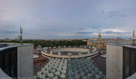 Крышу Российской национальной библиотеки нелегально сдали в аренду