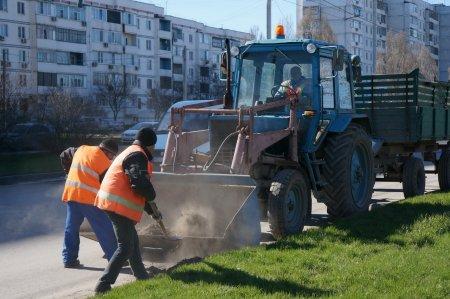 В каких городах России отмечается неудовлетворительная работа служб ЖКХ