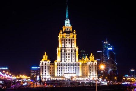 Чем застроят столичные участки за гостиницей «Украина»