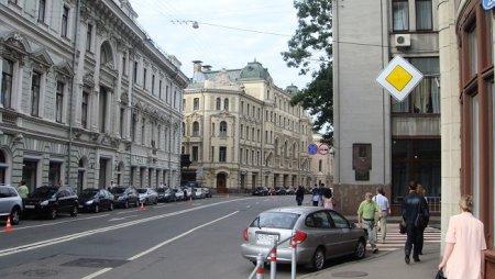 Движение на Ильинке в Москве перекроют 23 августа — 3 сентября