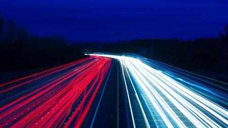 Назван год, когда в Подмосковье полностью осветят все дороги