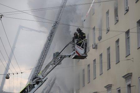 Из-за пожара на Тверской пять человек госпитализированы