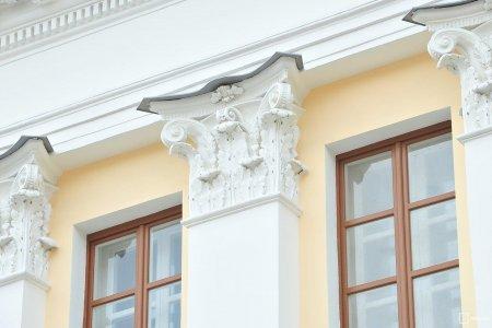 В ЦАО столицы отреставрированы фасады флигеля усадьбы, расписанные Михаилом Врубелем
