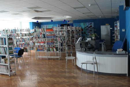 Собянин поздравил москвичей с открытием в Крылатском первой в городе смарт-библиотеки