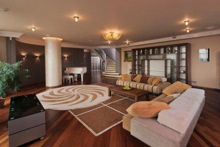 Объявлены самые высокие и низкие арендные ставки квартир на первом этаже в Москве
