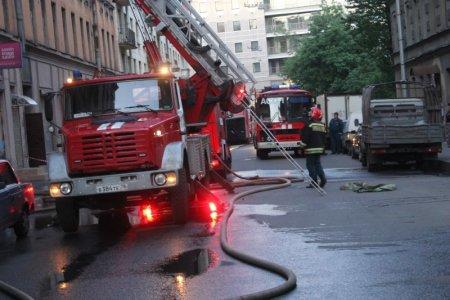 В центре Москвы произошел пожар в доходном доме Бурениных