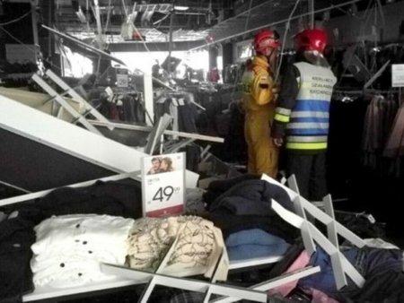 В крупном ТЦ Минска рухнул потолок