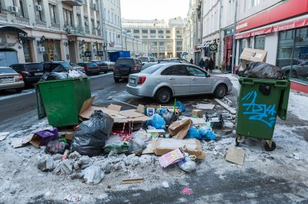 Госдума отсрочит внедрение мусорных норм в трех городах