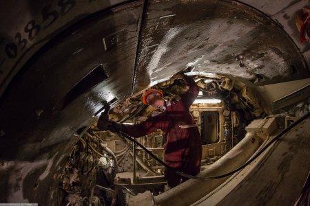 На дне Москвы-реки проведены уникальные работы бурения для БКЛ метро
