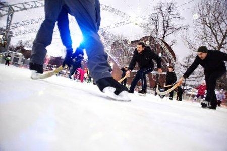 Около 20 катков с искусственным льдом откроют в парках Москвы к 25 ноября