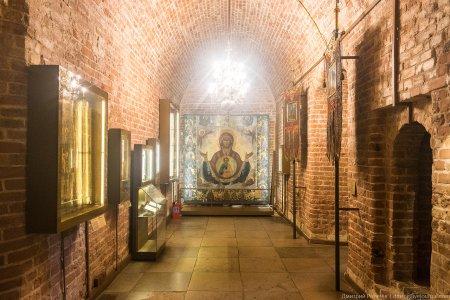 В Москве открылась не работавшая 90 лет церковь храма Василия Блаженного