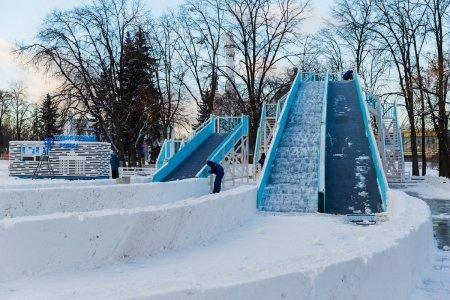 Собянин: в парках Москвы зимой установят 4 тыс. развлекательных объектов