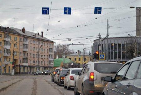 Еще полосу сделали на перекрестке ул. Каменка и Панфиловского проспекта